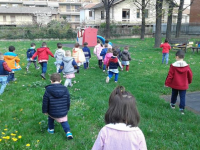 Esploratori in giardino